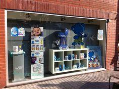 2013 Escaparate Nestlé Infantil  www.latevafarmacia.net