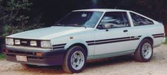 Toyota Corolla GT Coupe DOHC (1987 - 89) Toyota Hiace, Toyota Corolla, Tuner Cars, Jdm Cars, Corolla Levin, Hatchbacks, Ae86, Toyota Cars, Retro Cars