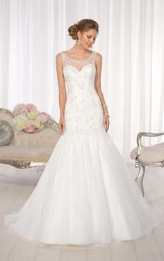 Essense of Australia vintage-inspired Lace and Tulle wedding dress features large floral Lace appliques with Diamante beading. (Style D1605)