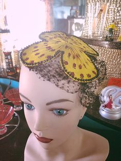1940s fascinator in my Etsy shop https://www.etsy.com/listing/610085721/vintage-1940s-hat-fascinator-yellow