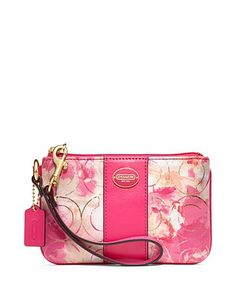 Comfortable #Coach #Handbag, Worth Your Love To Be Fashion And World-Wide Renowm