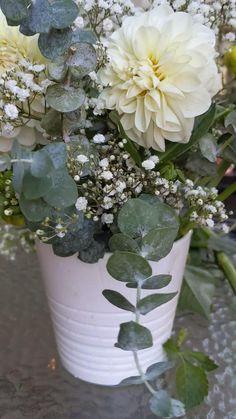Hortensien Arrangements, Flower Arrangements Simple, Flower Centerpieces, Flower Vases, Flower Decorations, Wedding Floral Arrangements, Tropical Floral Arrangements, Artificial Floral Arrangements, Flower Art