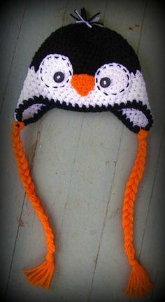 this is TOO cute. I don& crochet but I could sew something similar. Crochet Animal Hats, Crochet Kids Hats, Crochet Beanie, Knit Or Crochet, Crochet Crafts, Knitted Hats, Crochet Penguin, Yarn Projects, Knitting Projects