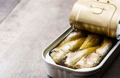 Sardines - 20 Absolute Best Snacks Foods To Try On The Keto Diet – Forkly Keto Fat, Low Carb Keto, Low Carb Recipes, Easy Snacks, Keto Snacks, Snack Recipes, Easter Recipes, Healthy Snacks, Vegetarian Recipes