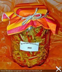 Eingelegte Zucchini