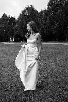 Classy Wedding Dress, Wedding Dress Styles, Dream Wedding Dresses, Designer Wedding Dresses, Bridal Dresses, Bridesmaid Dresses, Elopement Dress, Before Wedding, Wedding Goals