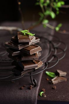 Food | Nourriture | 食べ物 | еда | Comida | Cibo | Art | Photography | Still Life | Colors | Textures | Design | chocolate