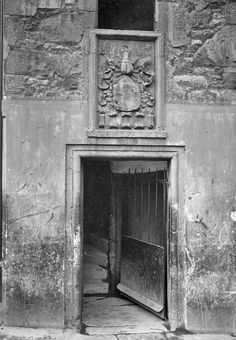 EPS Survey Section photograph - Candlemaker Row, Doorway 36  -  George Dykes, 1903