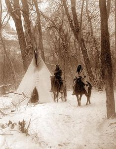 You are viewing an original photograph of a Tipi in the Snow. The photo was taken by Curtis in The picture shows two men on horseback in front of a Tipi. I hate the cold - doubt I could ever survive this Native American Beauty, Native American Photos, Native American Tribes, Native American History, American Indians, American Symbols, American Women, Old Pictures, Old Photos