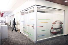 www.liaisonconcept.com | Audi & Volkswagen Finance - panneaux vitrés - Liaison Concept Volkswagen, Audi, Finance, Loft, Furniture, Home Decor, Sign, Decoration Home, Room Decor