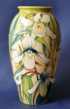 Moorcroft Pottery Trentham 393/10