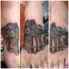 Ace Of Spades Tattoo, Spade Tattoo, Pirate Art, Foot Tattoos, Color Tattoo, Pirates, Gold, Instagram, Color Tattoos