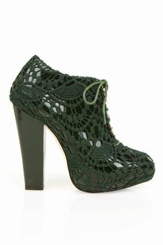 rodarte crochet shoes - now I want to find some great minimal heels to use as a base. But I'm thinking of making them knee-highs
