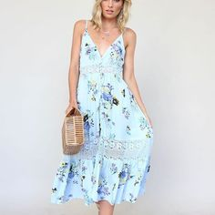Another the Weekend Midi Dress  in light blue 🌸✨ #ginghamandheels #mididress #pastels #summerfun ➰