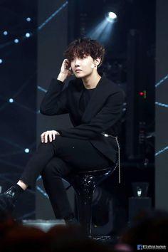 The other side of jhope😘😍 Jungkook Jimin, Kim Namjoon, Yoongi, Bts Bangtan Boy, Bts Boys, Seokjin, Taehyung, Gwangju, Jung Hoseok