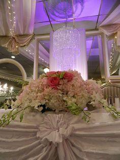Pretty sweetheart table at a Grand Marquis wedding. #weddings, #headtable, #GrandMarquis