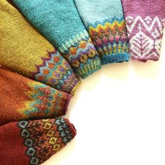 "tricot 🌈 laine pullover sweater wool automne hiver fall winter / rainbow of handknit lopapeysas! patterns Red- Grettir by Jared Flood/Brooklyn Tweed Rust/orange- Genser Med Rund Sal by Sadnes Design Gold- Anna's…"" Fair Isle Knitting Patterns, Fair Isle Pattern, Knitting Charts, Knitting Stitches, Knit Patterns, Hand Knitting, Knitting Machine, Vintage Knitting, Stitch Patterns"
