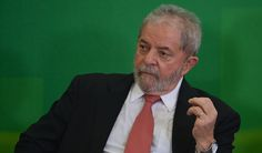 Ex-presidente Lula teria se convencido de que a proposta de um plebiscito para novas eleições presidenciais, defendida por alguns senadores aliados a Dilma, não é suficiente para reverter o impeachment; para ele, a tese só é viável caso haja o apoio público de pelo menos 27 dos 81 senadores; Lula também se comprometeu a conversar com Guilherme Boulos, do MTST (Movimento dos Trabalhadores Sem Teto), e com Vagner Freitas, da CUT (Central Única dos Trabalhadores), para alinhar um discurso…