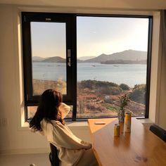 Image about girl in ◌ Wanderlust ◌ by ️️️× on We Heart It Korean Aesthetic, Beige Aesthetic, Aesthetic Photo, Aesthetic Girl, Aesthetic Pictures, Vie Motivation, Cute Korean Girl, Window View, Animes Wallpapers