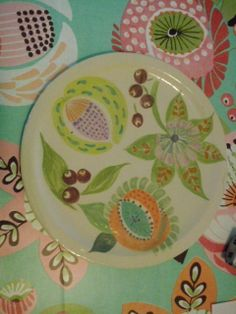 Decorated with Duncan Underglaze. Plate by Joyce Vogels