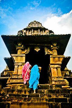 monde-exotique:    Khajuraho by Paki Nuttah on Flickr.