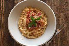 photo: Κική Τριανταφύλλη Spaghetti, Pasta, Sauces, Ethnic Recipes, Food, Essen, Meals, Gravy, Yemek
