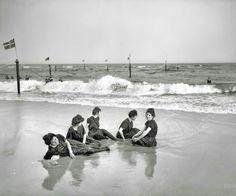 Swimsuit Models early XX century