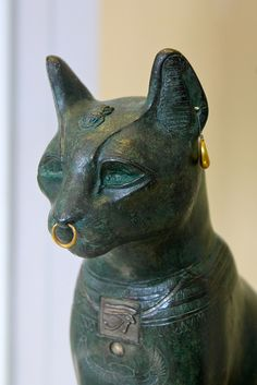 bronze with silver plaque and gold jewelry Around 600 BC Possibly from Saqqara Cats In Ancient Egypt, Ancient Persian, Ancient Egyptian Art, Ancient Aliens, Ancient History, Egypt Jewelry, Gold Jewelry, Crystal Jewelry, Jewelry Art