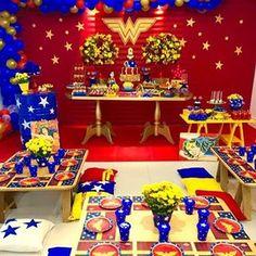 La imagen puede contener: 1 persona, comida e interior Wonder Woman Birthday, Wonder Woman Party, Superhero Birthday Party, 3rd Birthday, Birthday Parties, Birthday Display, Geek Party, Decoration Table, Birthday Decorations