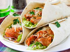 Why your lunch time wrap may not be that healthy Healthy Food Options, Healthy Recipes, Cold Party Appetizers, Turkey Wraps, Chicken Burritos, Shawarma, Pressure Cooker Recipes, Chicken And Vegetables, Tasty Dishes