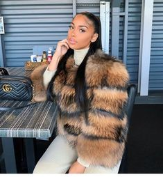 Discovered by Harriët Taylor. Find images and videos on We Heart It - the app to get lost in what you love. Winter Fashion Outfits, Fur Fashion, Autumn Winter Fashion, Fall Outfits, Fashion Looks, Boujee Outfits, High Fashion, Bougie Black Girl, Winter Fits