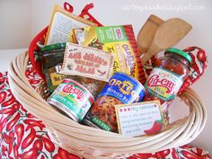 21 DIY gift baskets that really are perfect for any occasion! These DIY gift baskets will be loved by all! Theme Baskets, Themed Gift Baskets, Raffle Baskets, Diy Gift Baskets, Basket Gift, Holiday Baskets, Food Gifts, Craft Gifts, Diy Gifts