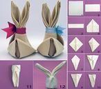 Servietten-Hase mit Schleife: hübsche Tischdeko zu Ostern