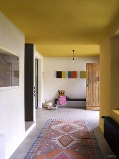 Bright colours, subtle used in this Mexican inspired interior. © Levis