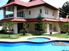 http://www.thailand-property.com/real-estate-for-sale/5-bed-villa-chonburi-pattaya-pratumnak-hill_75847