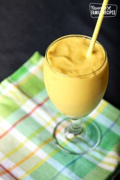 This Mango Avocado Smoothie with fresh mango, avocado, and greek yogurt will boost your health and brighten your day! It is smooth, creamy, and yummy and perfect for Mother's Day. Smoothie Recipes With Yogurt, Yogurt Smoothies, Oatmeal Smoothies, Fruit Recipes, Healthy Smoothies, Avocado Recipes, Summer Recipes, Vitamix Recipes, Milkshakes