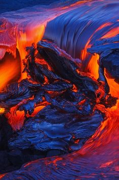 Cara Sposa Cara Sposa — Molten Stream Continued by Tom Kualii Photo Volcan, Pretty Pictures, Cool Photos, Image Nature, Lava Flow, Natural Phenomena, Nature Pictures, Amazing Nature, Beautiful Landscapes