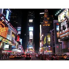 Panoramio - Photo of Times Square at night, New York (U.S.A.) ❤ liked on Polyvore featuring backgrounds, pics, city, new york and pictures