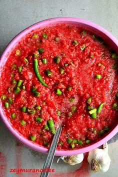 soslu domates biber turşusu