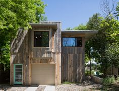Zilker Hideaway : Rick & Cindy Black Architects, photo by Whit Preston. Reclaimed snow fence as siding.