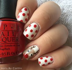 christmas-polka-dot-reindeer-nails