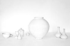 Korean photographer Bohnchang Koo creates wonderfully quiet, elegant photographs of rare Korean white porcelain ceramics, in two related series Porcelain Ceramics, Ceramic Art, Moon Jar, Philadelphia Museum Of Art, Everyday Objects, Source Of Inspiration, British Museum, White Porcelain, Crafts To Sell