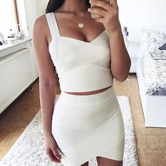 Beautiful white by @thanyaw ✨