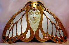 Art Nouveau Lady Moth Hanging Mirror by angelia Mobiliário Art Nouveau, Design Art Nouveau, Bijoux Art Nouveau, Art Nouveau Jewelry, Belle Epoque, Arte Art Deco, Muebles Art Deco, Arte Fashion, Art Nouveau Furniture