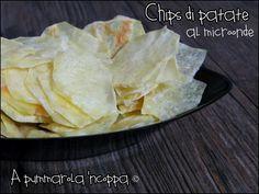 Una ricetta davvero sfiziosa: le chips di patate al microonde. Clicca e scopri quant'è facile realizzarle in solo 10 minuti.