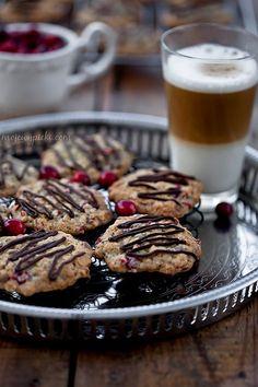 Ciasteczka z żurawinami, płatkami owsianymi i czekoladą