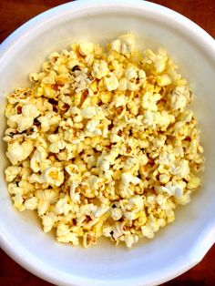 Becoming Betty: Quick and Easy Kettle Corn
