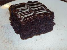 Η σοκολατόπιτα της Ζαχαρούλας: Εύκολη και γρήγορη συνταγή σοκολατόπιτας Greek Sweets, Greek Desserts, Greek Recipes, Cake Cookies, Cupcake Cakes, Cupcakes, Sweet Cooking, Brownie Cake, Brownie Cookies