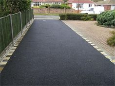 Co-Operative Contractor have been and driveways for over 10 years from gravel driveways, concrete driveways to Tarmac driveways in Essex & London. Contact us on 0800 696 5034 or 0777 483 Front Driveway Ideas, Block Paving Driveway, Asphalt Driveway, Driveway Design, Driveway Landscaping, Tarmac Driveways, Concrete Driveways, Low Maintenance Landscaping, Low Maintenance Garden