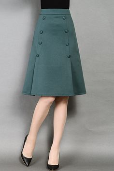 Pin on Fashion sewing / tips and trends Pin on Fashion sewing / tips and trends Slit Skirt, Dress Skirt, Mini Skirt, Sheath Dress, Skater Skirt, Lace Skirt, Mode Outfits, Skirt Outfits, Diy Mode